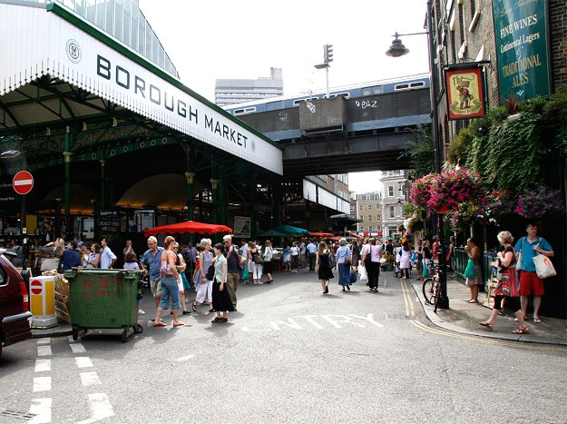 "Borough Market (cc: <a href=""http://www.flickr.com/photos/neubda/232937530/"">Daniel Neubauer</a>)"